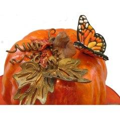 DETAIL Stunning Fondant Autumn Pumpkin Cake