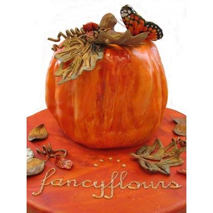 Stunning Autumn Pumpkin Cake