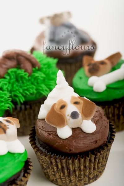 Dog sugar cupcakes 1