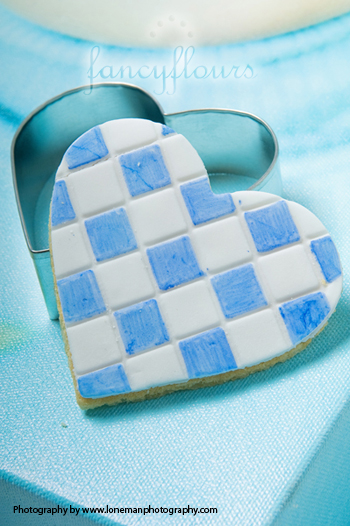 Heart texturized cookie