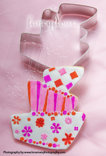 whimsy cake texturized cookie
