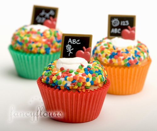 Fancy Flours back to school cupcakes