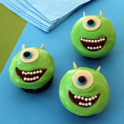mike-wazowski-cupcakes-recipe-photo-420x420-clittlefield-A