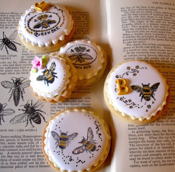 Bee Stamped Cookies