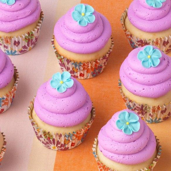 blue-flower-cupcakes.jpg
