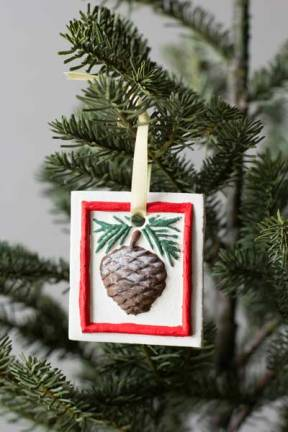 Painted-pinecone-hung