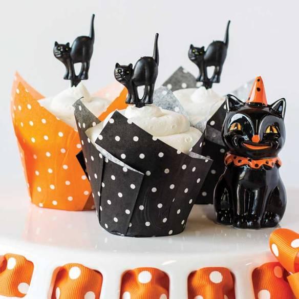 polka_dot_cupcakes.jpg