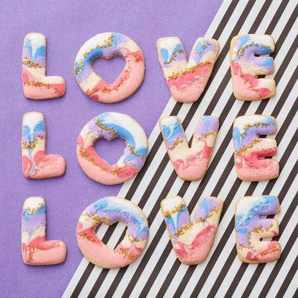 Valentine-Love-Cookies.jpg
